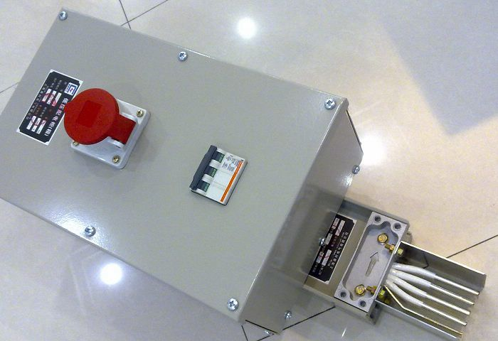 母线槽插接箱结构是什么样的?