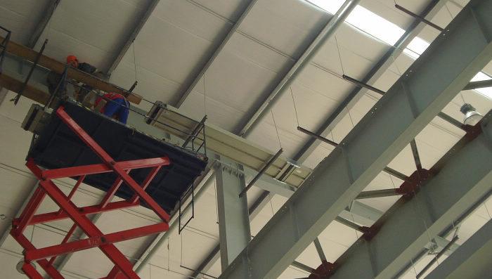 (5)母线槽的过渡连接          母线槽始端与配电柜接线端连接